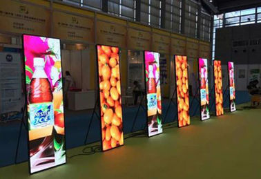 P2 / P2.5 / P3 Wall Poster LED Advertising Box Full Color ISO 9001 Disetujui